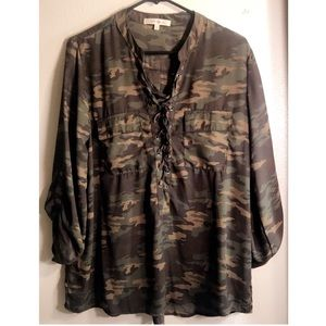 Camouflage mid sleeve blouse
